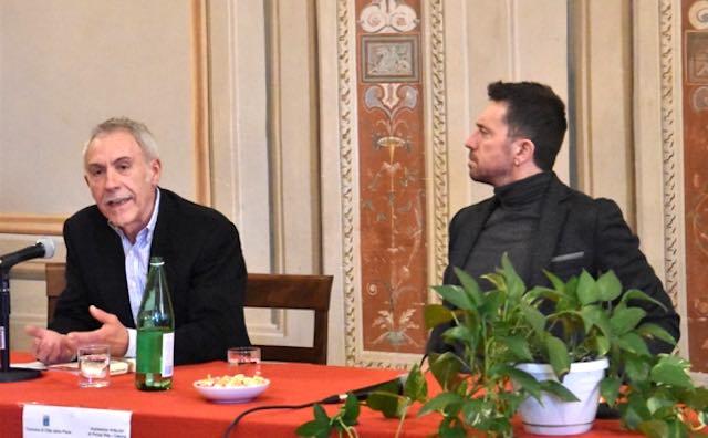 Sala Grande gremita per l'incontro con Andrea Scanzi