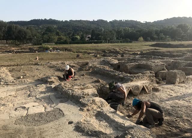 """""""Mi innamoravo di tutto"""". Concerto nell'area archeologica di Campo della Fiera"""