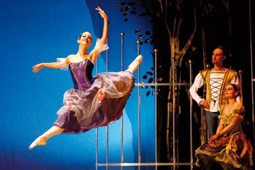 """Al Mancinelli l'atmosfera natalizia dello """"Schiaccianoci"""" del Croatian National Ballet Theatre"""