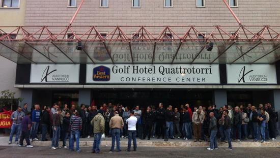 """Trafomec/Eurotrafo: sciopero riuscito e fabbriche ferme. Rsu e sindacati: """"Vogliamo il rispetto degli accordi"""""""