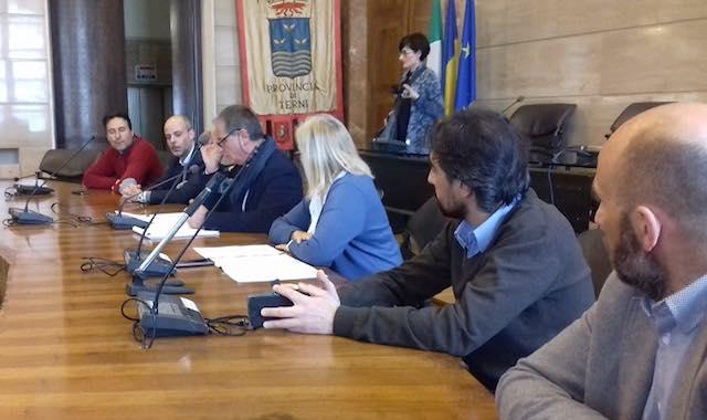 """Provincia, mobilitazione no tagli: """"Solo 500 euro per ogni scuola, sicurezza a rischio"""""""