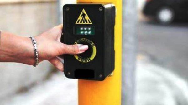Contributo di 25.000 euro per adeguare i semafori alle esigenze dei non vedenti
