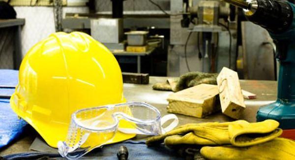 """""""Prevedere premialità per aziende che investono in sicurezza sui luoghi di lavoro"""""""