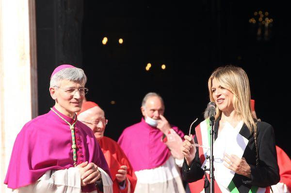 """""""Benvenuto monsignor Sigismondi, grazie di tutto monsignor Tuzia"""""""