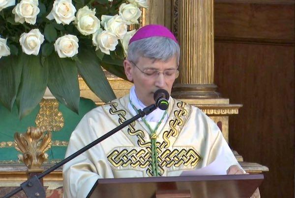 """Prima celebrazione a Todi per il vescovo. """"La fede si misura sulla bilancia della carità"""""""