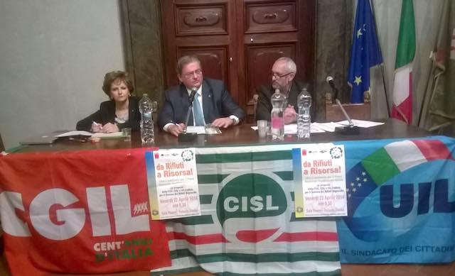 """""""Da rifiuti a risorsa"""". Le proposte di Cgil, Cisl e Uil per il piano regionale smaltimento rifiuti"""