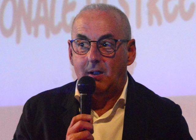 """""""Comune Cardioprotetto"""", l'Asl Sud Est Toscana consegna 8 defibrillatori"""