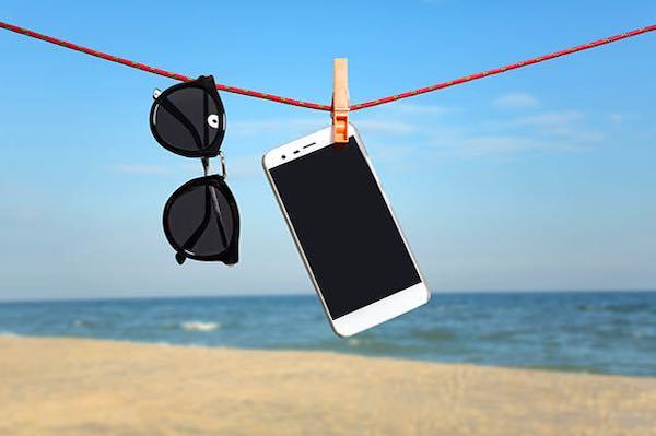 Come far sopravvivere lo smartphone all'Estate
