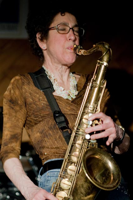 """La sassofonista newyorkese Carol Sudhalter a Orvieto con il """"08 Trio"""". Giovedì 17 febbraio presentata da BeviPiano e Venti Ascensionali"""