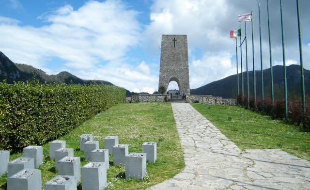 La forza della memoria. Delegazione di pensionati Spi Cgil a Sant'Anna di Stazzema