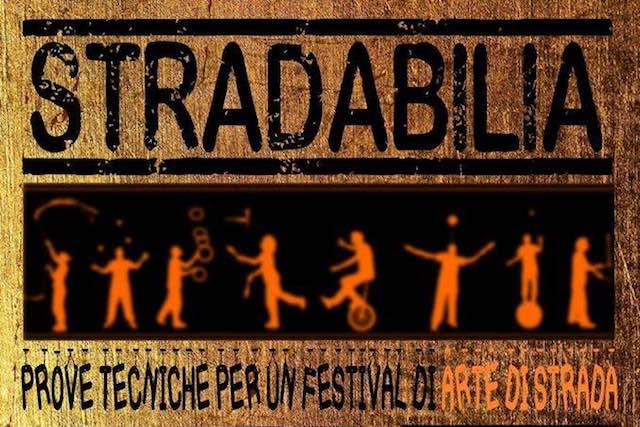"""""""Stradabilia (prove tecniche per un festival di artisti di strada)"""". Musica con Rossella Costa Trio"""