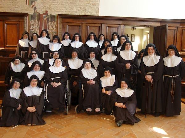 Monastero delle Clarisse in festa per i 106 anni di Suor Giuseppa