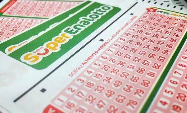 SuperEnalotto: sfiorato il Jackpot record, centrato un 5 da 23.298,06 euro