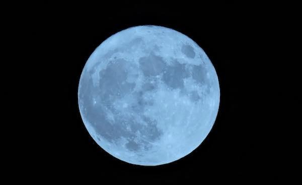 Aprile con la Super Luna, la terza e la più vicina dell'anno bisestile