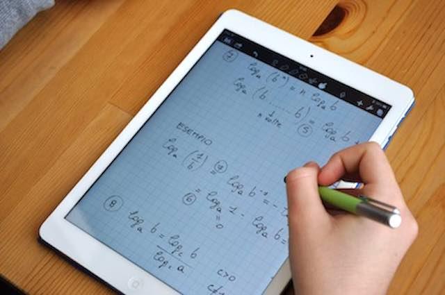 Nuovi tablet agli studenti per la didattica a distanza