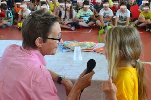 Susanna Tamaro incontra e incanta la scuola primaria di Sferracavallo
