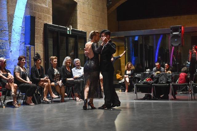 Spettacolare show dei maestri di tango Ivan Terrazas e Sara Grdan