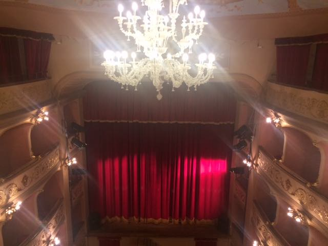 """""""D'oro e d'argento"""", rassegna corale di beneficenza al Teatro Boni"""