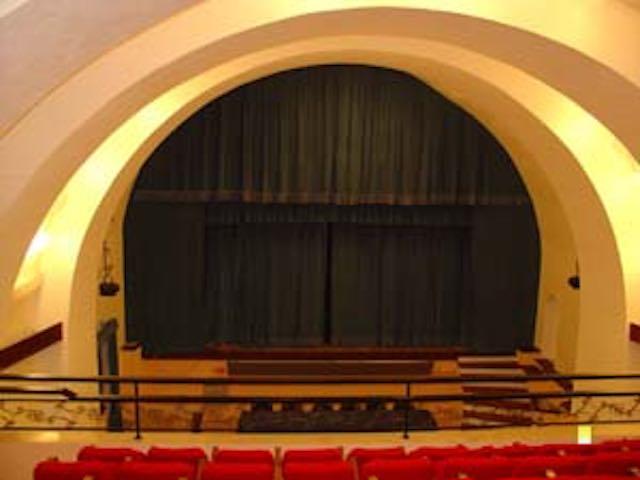 Cinque spettacoli e un concerto nella nuova Stagione del Teatro Salvini