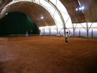 Gestione dei campi da tennis al Muzi e a Piazza Cahen. C'è il bando