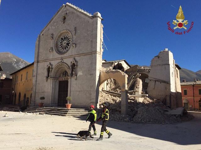 Terremoto, il Foggia Calcio in fuga dal ritiro di Norcia