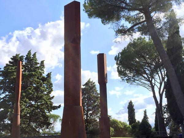 """Inaugurato il Parco """"Beverly Pepper"""". Venti sculture monumentali donate alla città"""