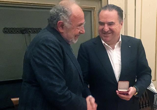 A Luca Tomassini di Vetrya la Medaglia dell'Università per Stranieri