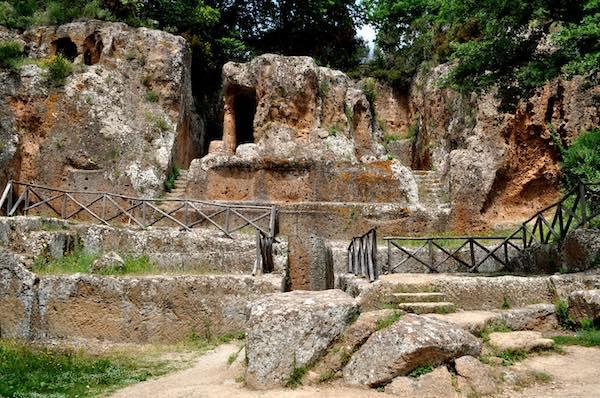 Nuovi orari d'ingressonei musei e necropoli di Sovana e Sorano