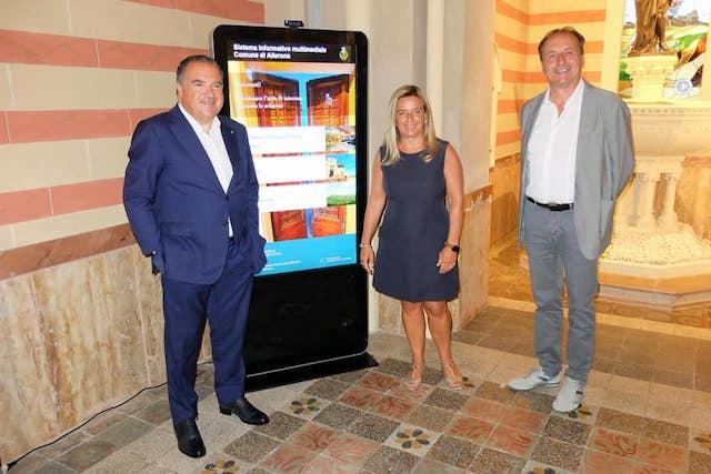 La Fondazione Tomassini dona Totem digitale alla Chiesa di Santa Maria Assunta