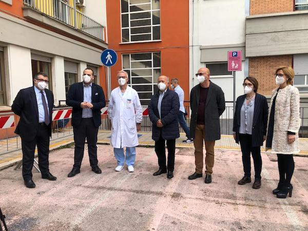 Oncologia, al Santa Maria inaugurata una nuova sala attrezzata per il lavoro da remoto