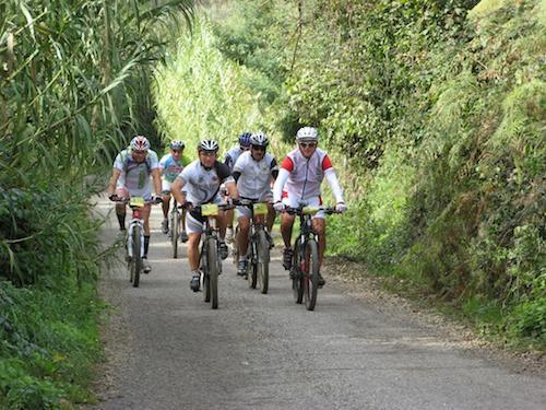 """""""In bici con gli amici"""". Escursione in mountain bike"""