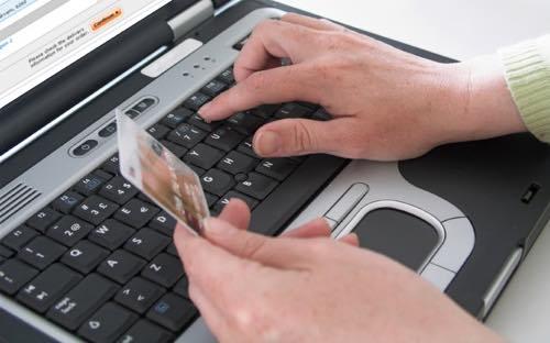 Siti d'incontri e agenzie matrimoniali online, occhio alle truffe