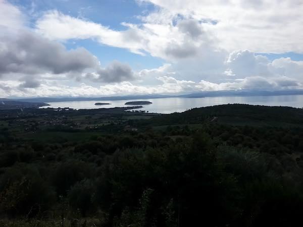 """Escursione intorno al lago con """"L'Olivo e la Ginestra"""""""