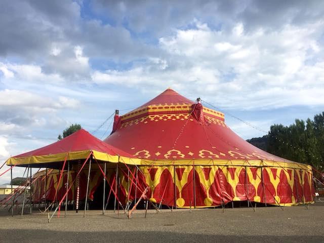 """""""Unconventional Circus"""" in Piazza della Pace. Italia e Giappone uniti dalla danza"""