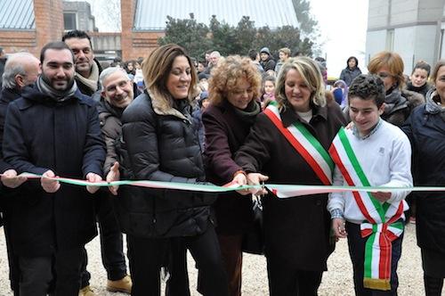 """Inaugurata la nuova scuola a San Venanzo. Marini: """"Tutelare le sedi nelle realtà più disagiate"""""""