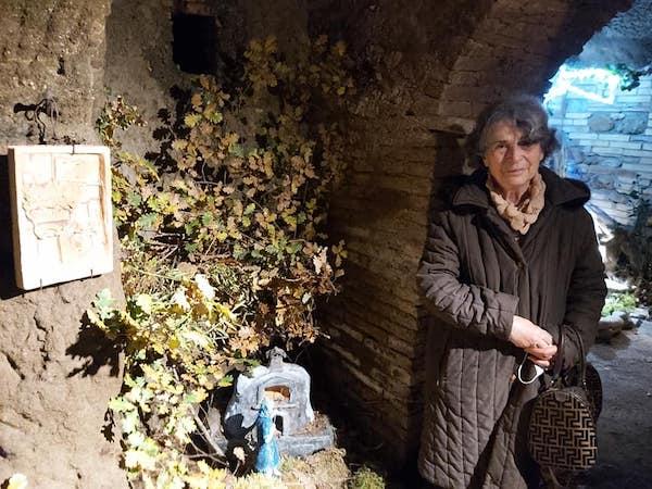 Le statuine in terracotta del presepe di Vera hanno i volti degli abitanti di Castel Viscardo