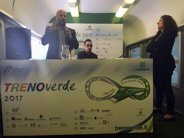 A bordo del Treno Verde il Premio per i Comuni più ricicloni