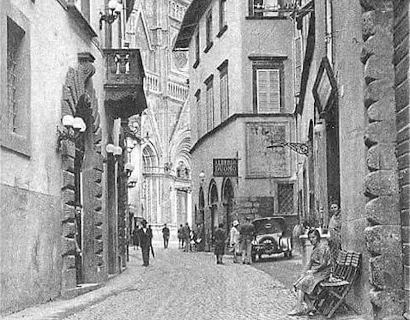 Via del Duomo, ieri