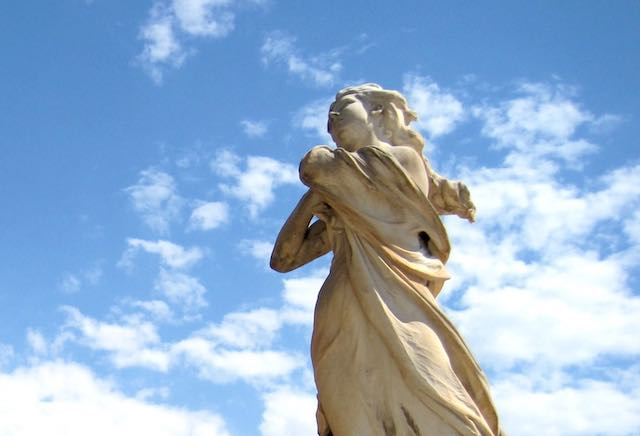 """""""In viaggio. Grani di Saudade"""" verso Trieste. Laura Ricci alle Residenze Estive di Duino"""