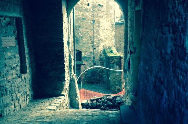 """Il consiglio comunale intitola """"Vicolo di Porta Castello"""""""
