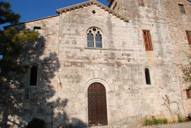 Il vescovo Tuzia presiede la riapertura dell'Abbazia di Santa Maria