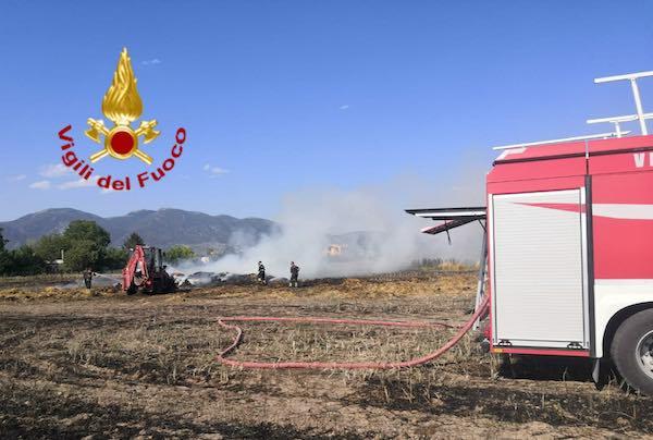 Sterpaglie a fuoco a Sferracavallo. Incendi in tutta la provincia