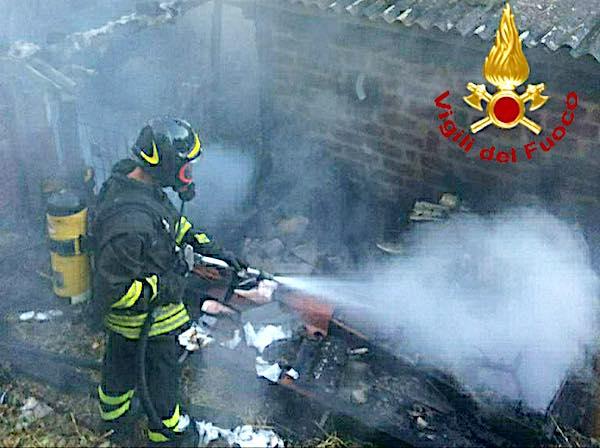 Incendio ad Allerona Scalo, le fiamme distruggono un locale
