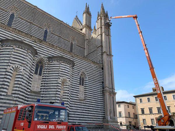 Nuovo intervento dei Vigili del Fuoco sul Duomo