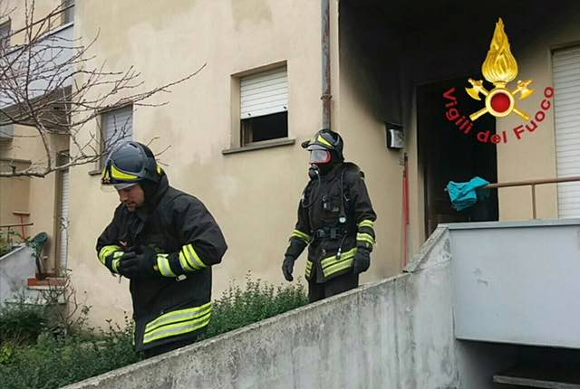 Principio d'incendio in un'abitazione, trovata morta una ottantenne
