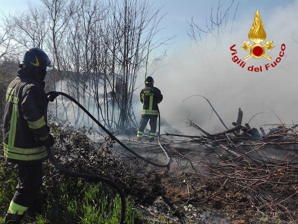 Prevenzione e lotta agli incendi boschivi, approvata la convenzione con i Vigili del Fuoco