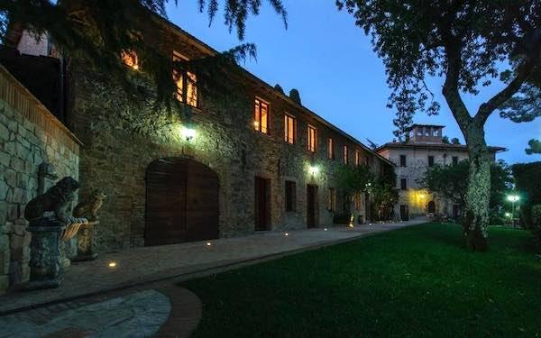 """""""A cena con il fantasma"""" a Villa Cesari Tiberi, tra musiche e racconti a tema"""