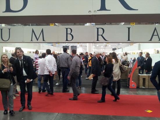 """L'Umbria al """"Vinitaly 2012"""": l'assessora Cecchini: """"Presenze motivate e clima positivo"""""""