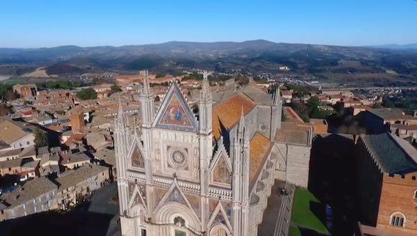 """""""L'Umbria, bella e sicura, riapre ai turisti"""". Orvieto nella campagna di promozione"""