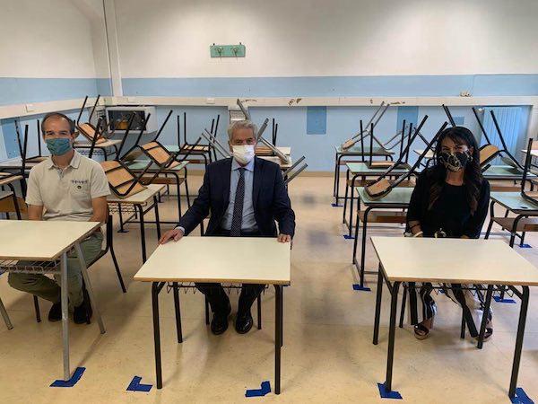 Il sindaco di Viterbo firma l'ordinanza. L'apertura delle scuole slitta al 24 settembre